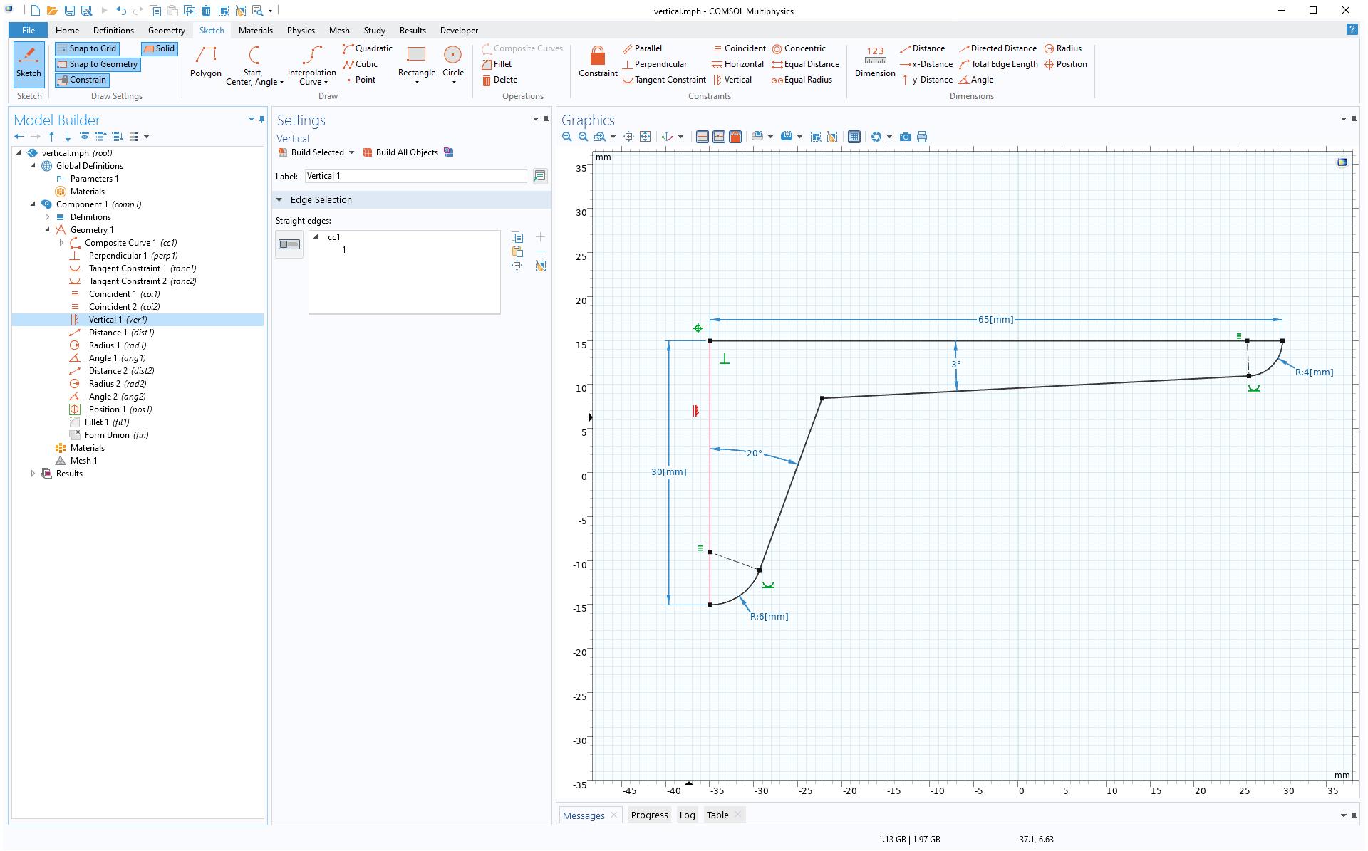 Model Builder에 하이라이트된 Vertical 구속 조건은 선택한 모서리를 y축에 평행하도록 설정합니다.